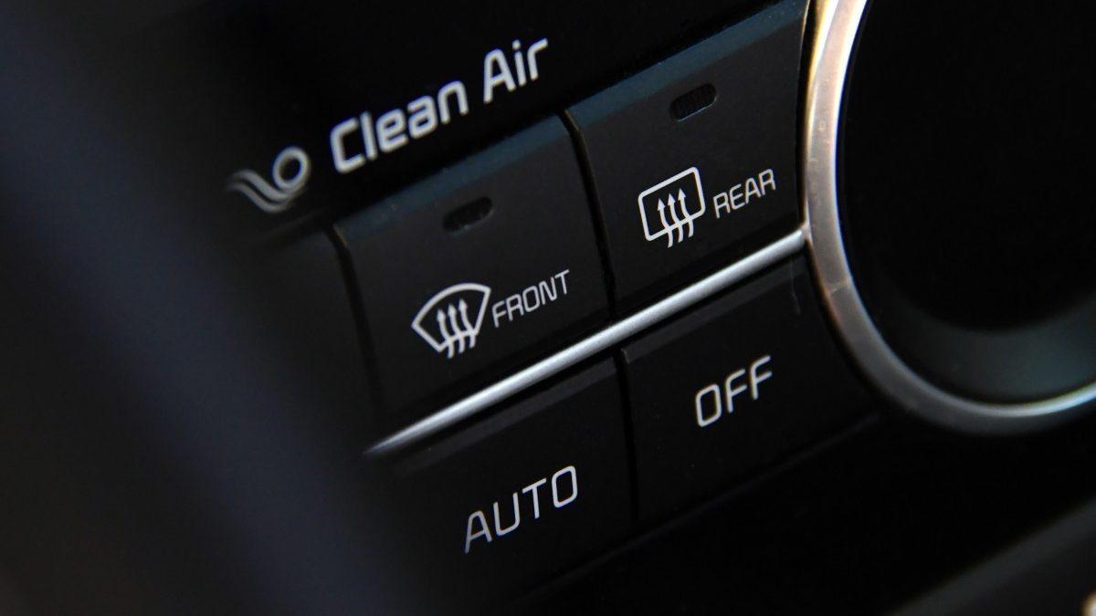boutons intérieur voiture